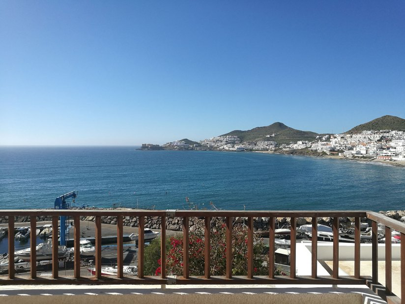 Alquiler apartamento con vistas al puerto deportivo de San José
