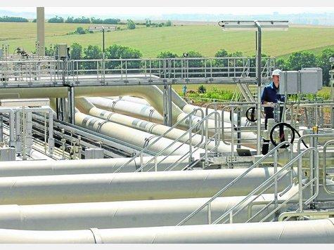 Auch hier kann Ökostrom drinstecken: Der Strom kann in künstliches Erdgas umgewandelt und ins herkömmliche Erdgasnetz gespeist werden. Hier ein Netz-Knotenpunkt des Erdgasversorgers Wingas bei Erfurt. Foto:Picture Alliance