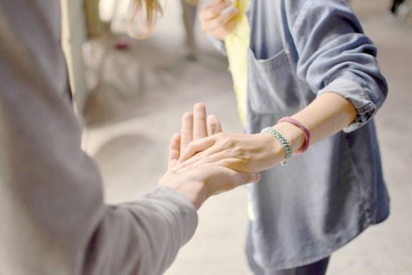 Ayuda mutua entre personas sin hogar