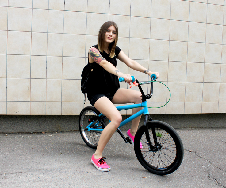 Outfit BMX and neon pink vans. u2013 Hoard of Trends