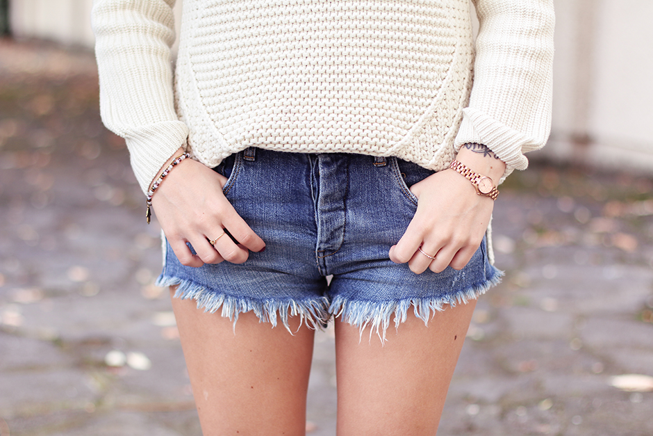 knit_shorts_lace_up_shoes_7