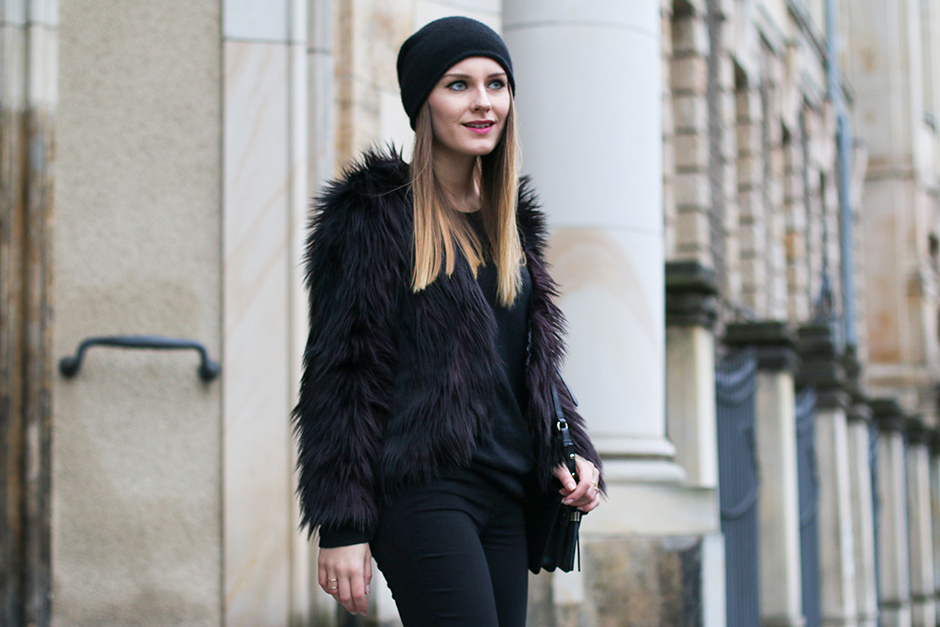 Faux_Fur_Jacket_All_Black_7