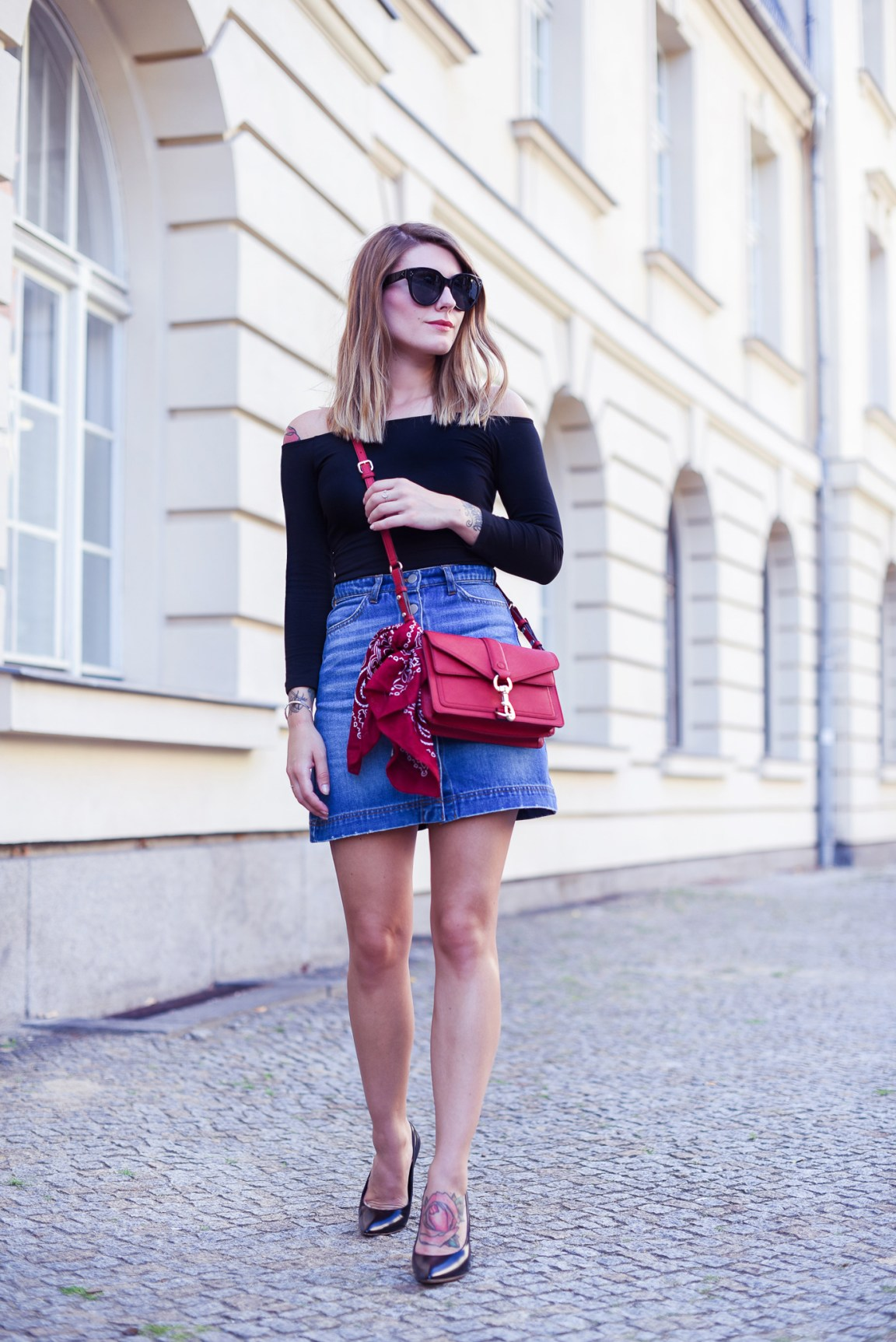Denim_Skirt_and_Red_3