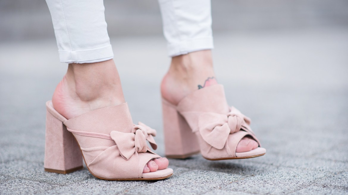 all_white_and_pink_mules_7