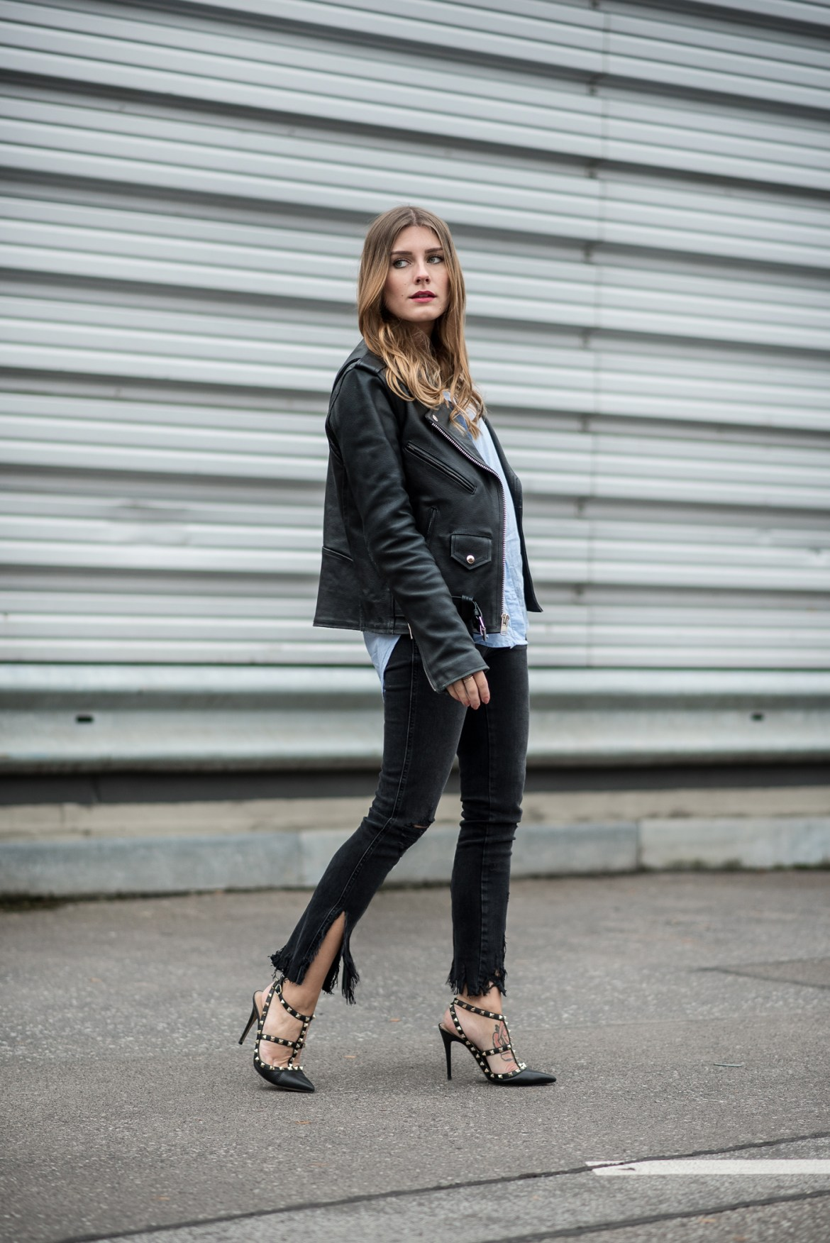 all_black_ripped_jeans_leather_jacket_6