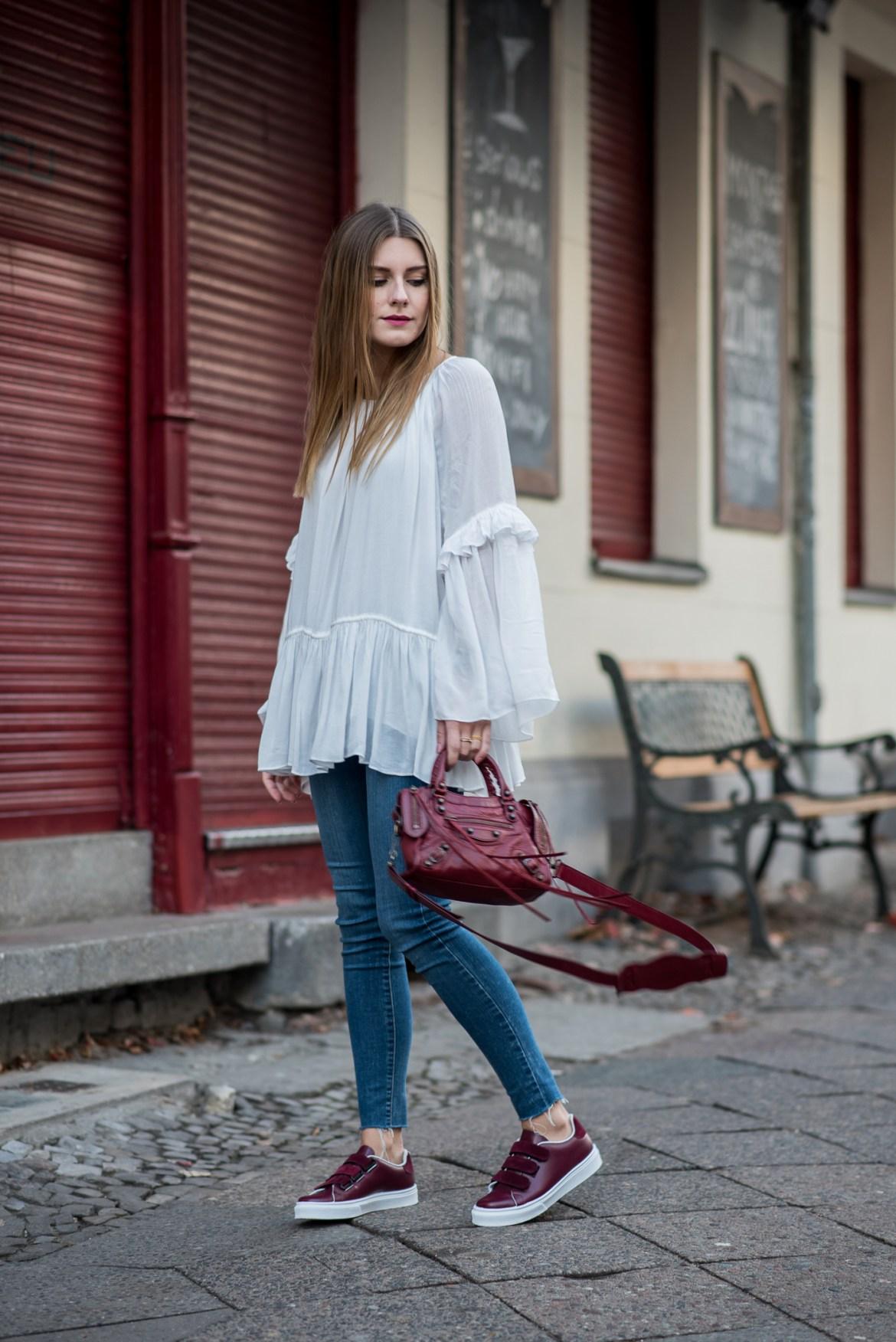 burgundy_outfit_balenciaga_bag_1