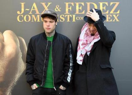 'J-Ax e Fedez arrestati', ma è una bufala