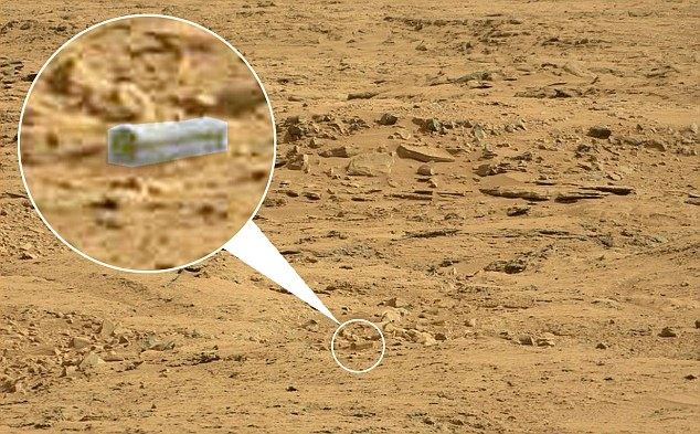NASA's Curiosity Rover Spots Alien Coffin on Mars: Facts