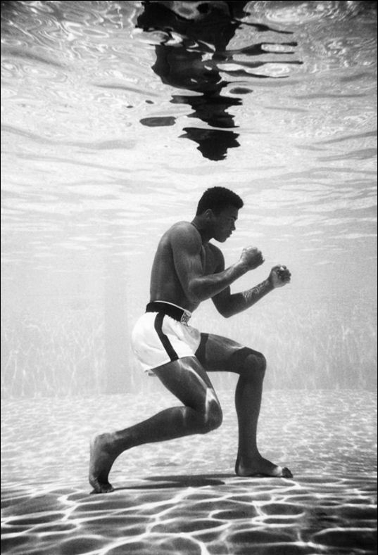Picture Suggesting Muhammad Ali's Boxing Secret Involved Regular Training Underwater