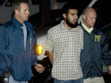 Picture Suggesting Donald Trump's Executive Order on Immigration Leads to Capture of ISIS Leader