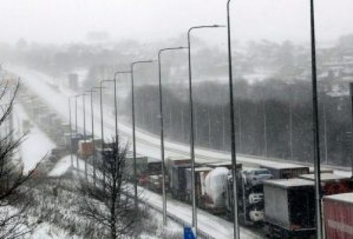 Picture of M62 Westbound traffic at a standstill