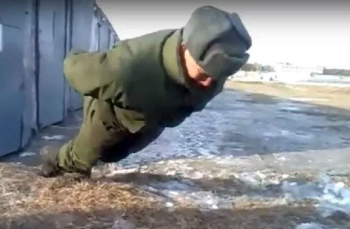 Russian Soldier Performs No Hands Push Ups, Video: Fact Check