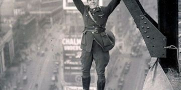 NY Policeman Hanging Over Times Square, 1920s Photo