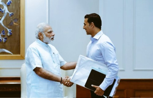 Image of Akshay Kumar meets PM Narendra Modi to tell him about his movie