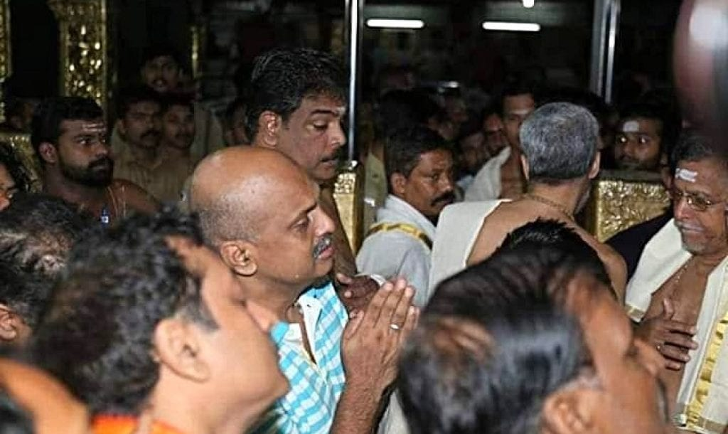 Image of IG Sreejith shedding tears praying in front of Lord Ayyappa in Sabarimala temple