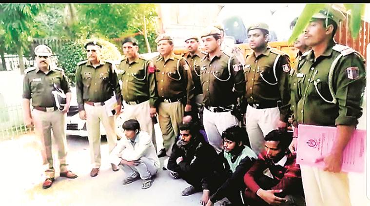 Image of Police arrest the gang making fake cumin (jeera) seeds
