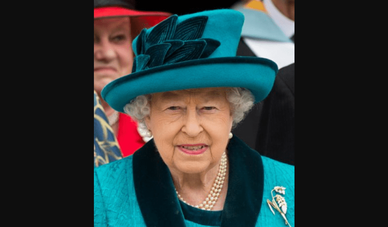 Royal Queen Elizabeth II Died of Heart Attack: Fact Check