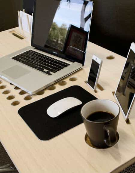 SlatePro-Personal-TechDesk-Docking-Station