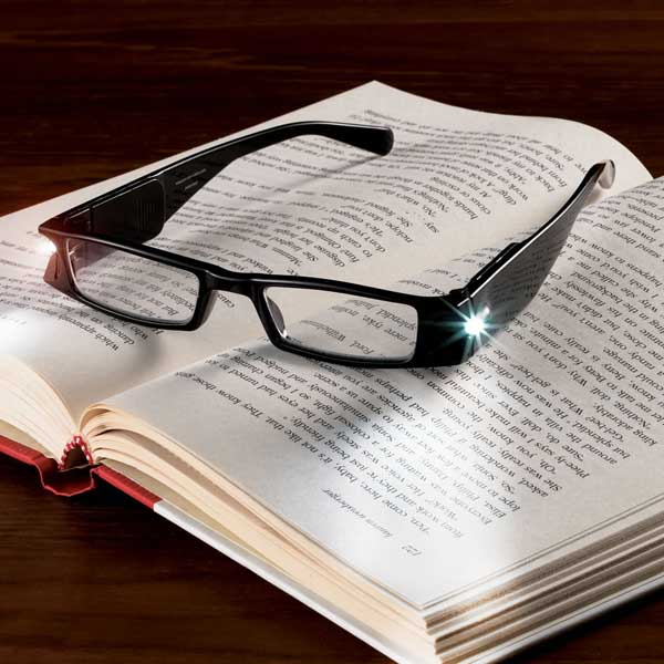 Illuminating-reading-glasses