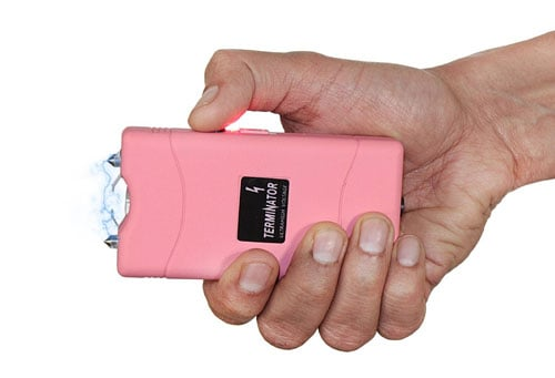 Stun-Gun-with-Flashlight