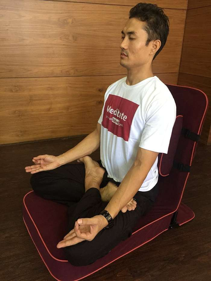 meditation chairs help people with back pain relax during meditation