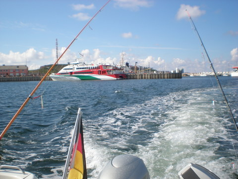 Angeln auf Makrelen beginnender Angeltörn von Helgoland aus