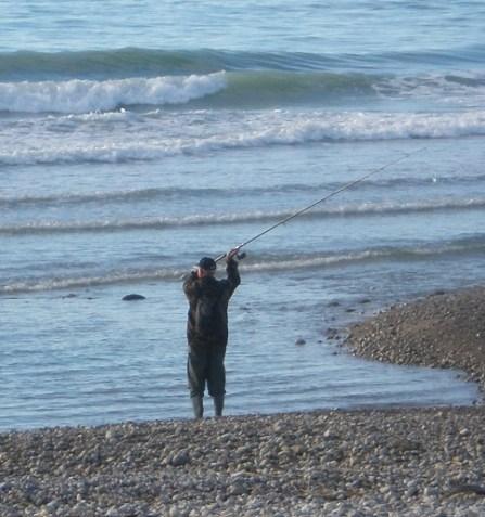 Beim Spinnfischen an den Küsten muss man viel Strecke machen.