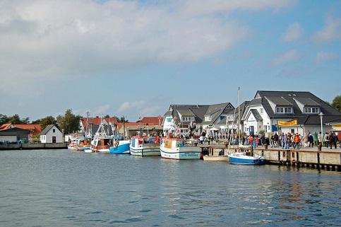 Der Hafen Vitte Hiddensee.