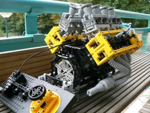 lego_v8_engine_2.jpg