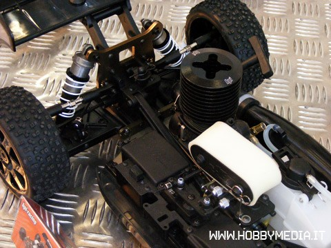 hpi-d8-rtr-buggy-a-scoppio-in-scala-1-8-toy-fair-2011-b