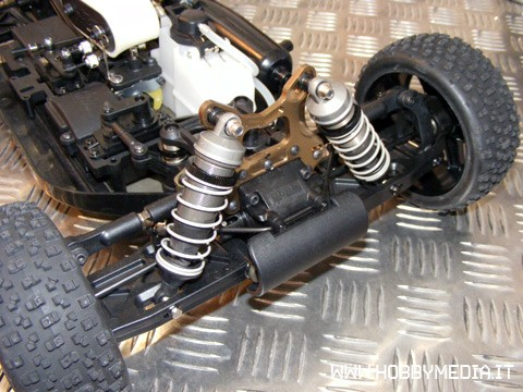 hpi-d8-rtr-buggy-a-scoppio-in-scala-1-8-toy-fair-2011-c