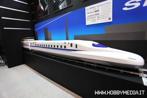shinkansen-series-n700-os-locomotive-2