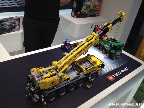 lego-technic-mobile-crane-mk-ii-42009-4