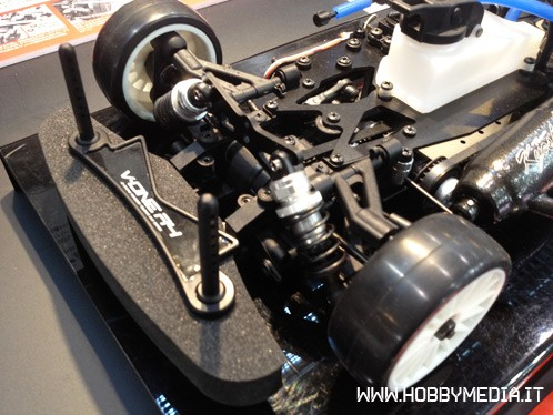 kyosho-v-one-r4s-rubber-tire-3