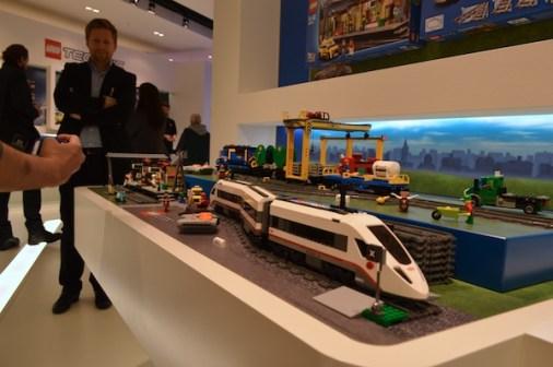 lego-high-speed-passenger-train-60051