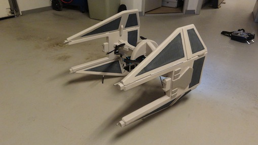 drone-tie-fighter-autocostruito-3