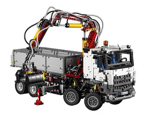 lego-technic-42043-mercedes-benz-arocs-3245