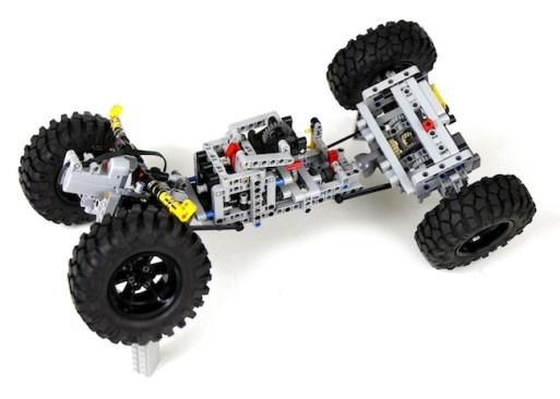 lego-land-rover-defender-90-telaio