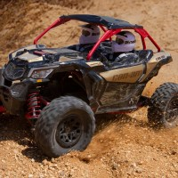 Axial Yeti Jr con carrozzeria Can-Am Maverick X3