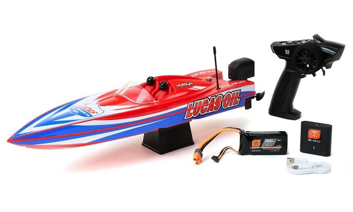 Pro Boat: Miss GEICO & Lucas Oil - Power Boat Racer