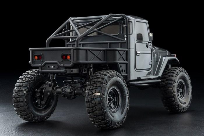 MST: CFX-W J45C Trail Truck in kit di montaggio