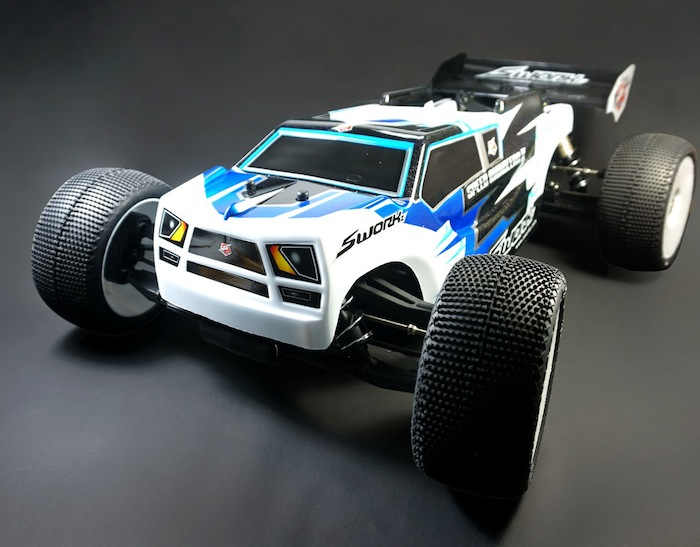 SWORKz Speed Rhinocero III body for the S35-T side