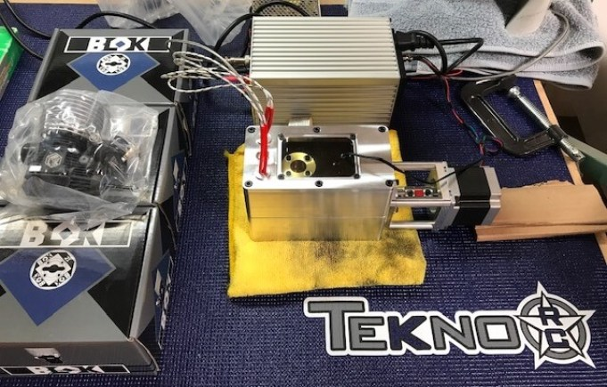 Tekno RC's Oil Bath Break-in System