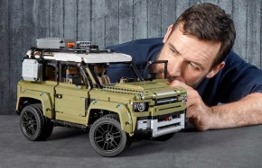LEGO Technic: Land Rover DEFENDER – Above and Beyond video!