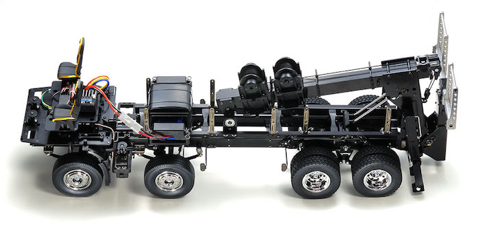 Tamiya: VOLVO FH16 Globetrotter 750 8x4 Tow Truck
