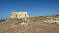 Places to house the French archaeologists who maintain Delos