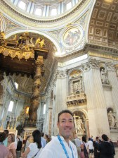 Larry and the Baldacchino