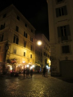 The path from Piazza Farnese to the Campo di Fiore