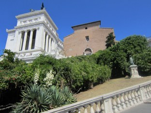 You can see the side of the Vittorio as well as the front of the Santa Maria church