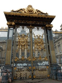 These are the gates of the Palais du Justice
